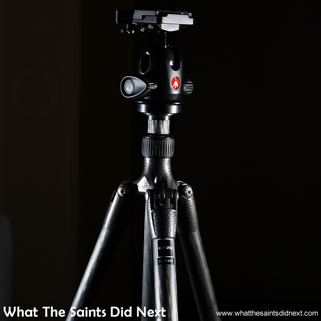 The tripod with head mounted.