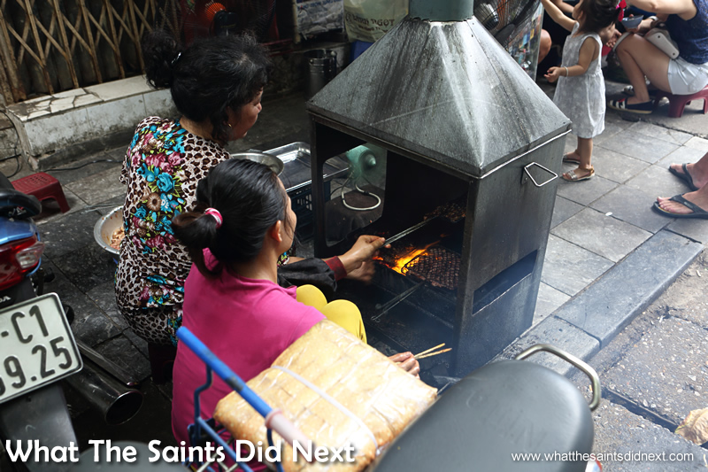 This bar-b-que stove set up on the pavement was drawing in customers from a long way with the lovely smell.