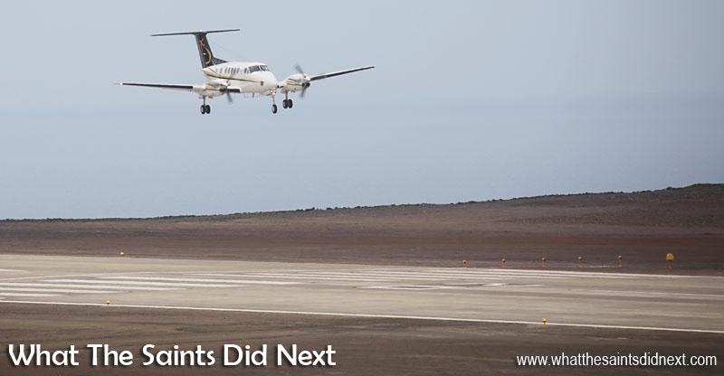 Un spectacle qui va bientôt devenir normal, un atterrissage de l'avion à Ste Hélène.