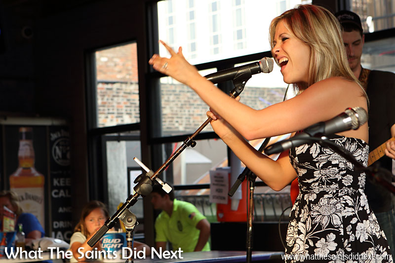 Plenty of energy in Rippy's live country music.