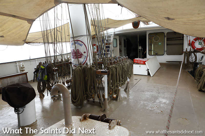 A very tidy foredeck on Gulden Leeuw (Golden Lion) with ropes from the mast well coiled.