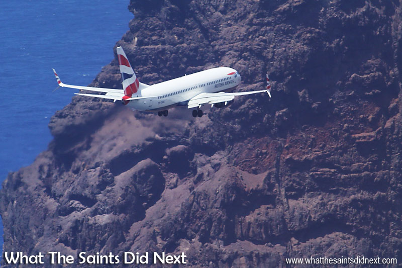 British Airways 737-800 lands on St Helena - What The Saints Did